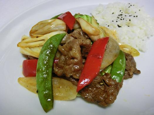牛肉と野菜炒めケチャップソース味